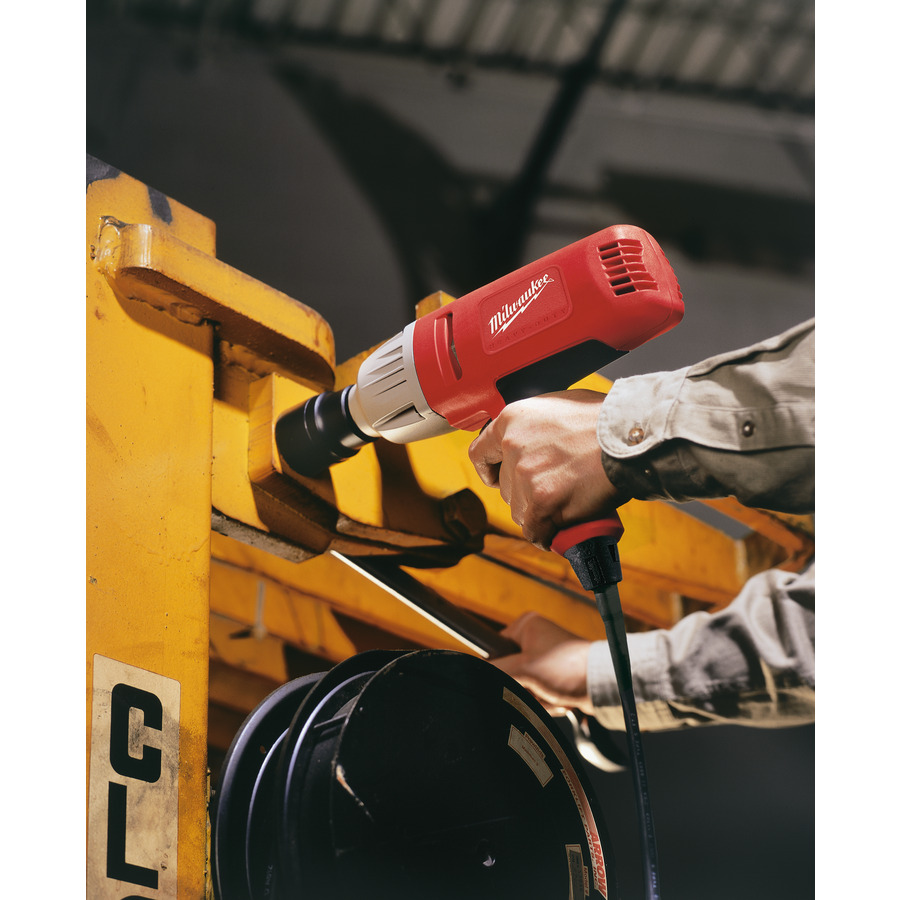 ... Preview: Milwaukee Impact Wrench IPWE 520 RQ, Application Example ...